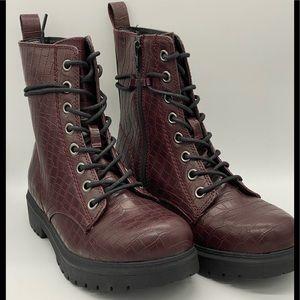 Burgundy Croco Women High Top Boots Sz7.5 NWT